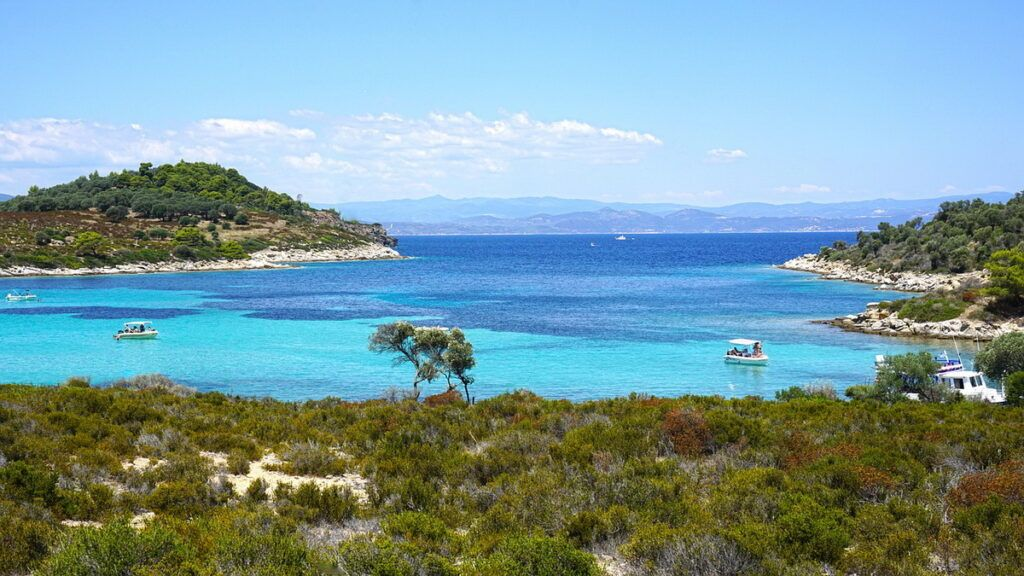 Sithonia Beaches - Dreamy Vourvouro with its lagoon and archipelago